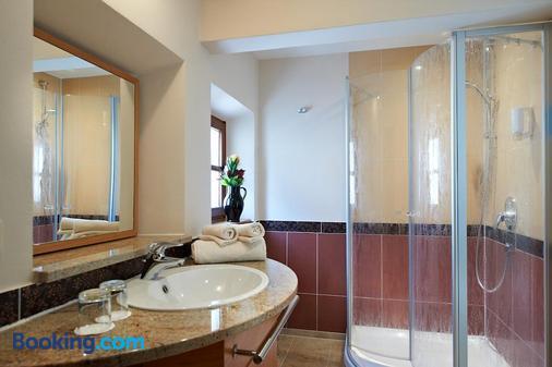 Hotel zur Post - Bad Kotzting - Bathroom