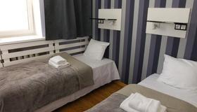 Traffic Hotel - Posen - Schlafzimmer
