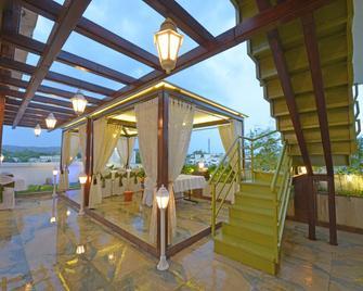 Hotel J P International - Aurangabad - Patio