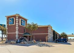 Quality Inn and Suites Lubbock - Lubbock - Building