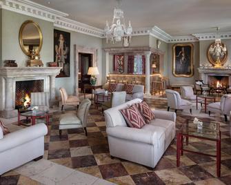 Anantara Villa Padierna Palace Benahavís Marbella Resort - A Leading Hotel of the World - Benahavis - Вітальня