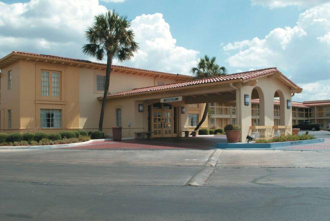 La Quinta Inn San Antonio South Park - Σαν Αντόνιο - Κτίριο