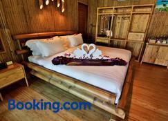 Phi Phi Coco Beach Resort - Ko Phi Phi - Bedroom