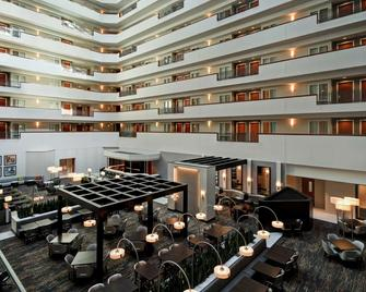 Embassy Suites Little Rock - Little Rock - Building