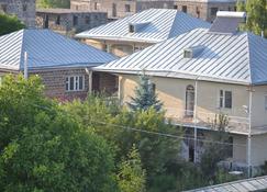 Serik & Geora Guesthouse - Sevan - Building