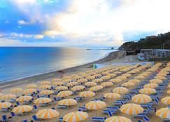 Labranda Rocca Nettuno Tropea - Tropea - Strand