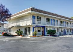 Motel 6 Salem - Salem - Edificio