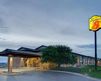 Super 8 by Wyndham Fort Collins - Fort Collins - Gebouw