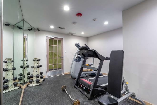 Quality Inn - Pasadena - Gym