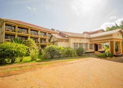 Nile Anchor Palace - Jinja - Building