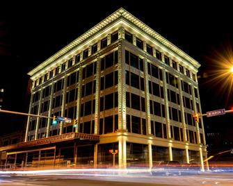 Curtiss Hotel Ascend Hotel Collection - Buffalo - Building