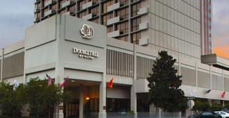 DoubleTree by Hilton Tallahassee - טאלהאסי