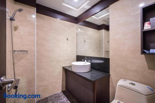 Twinstar Hotel - Taichung - Bathroom