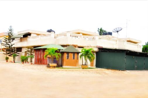 Résidences La Fourmi - Lomé - Building