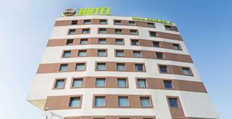 B&B Hotel Torino - Turin - Building