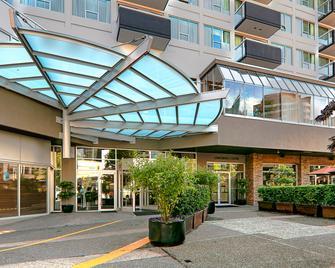 Best Western Premier Chateau Granville Hotel & Suites & Conf. Centre - Vancouver - Building