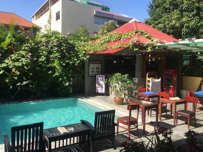 皇家湄公河精品酒店 - 金邊 - 金邊 - 游泳池