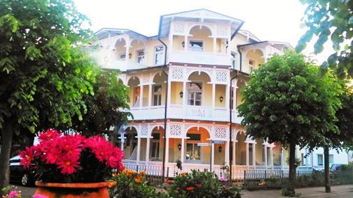 Hotel Villa Meeresgruss - Binz - Toà nhà