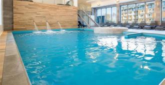 Apartamenty On Holiday - Kolobrzeg - Pool