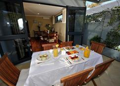 Trigg Retreat Bed and Breakfast - Perth - Restaurant