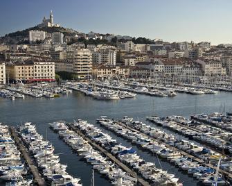 Holiday Inn Express Marseille - Saint Charles - Marseille - Outdoors view