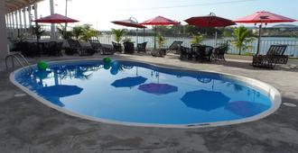 Ramada Tikal Isla de Flores Hotel - Flores - Piscina