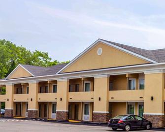 Quality Inn - Waterbury - Gebouw