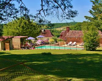 Le Clos Romantic & Spa - Saint-Pierre-de-Chignac - Pool