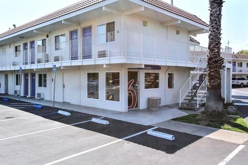 Motel 6 San Jose - Campbell - Campbell - Building