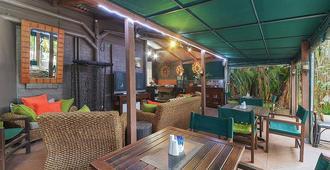 One Thornbury Boutique Bed & Breakfast - Brisbane - Patio