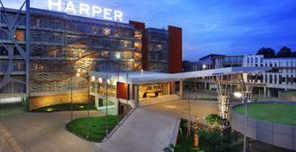 Harper Perintis Makassar - Makassar