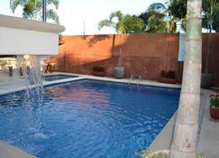 Hotel Casa Longino's - Zihuatanejo - Pool