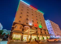 Waves International Hotel - Mascate - Edificio