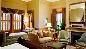 Wentworth Mansion - Charleston - Living room