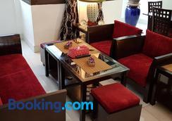 Fong Kaew And Baan Nang Fa Guesthouse - Patong - Restaurant