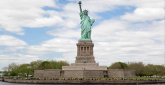 هوليداي إن مانهاتن - المنطقة المالية - نيويورك - المعالم السياحية