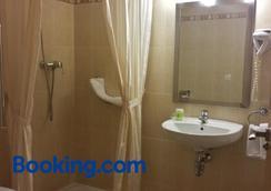 Hotel Goartín - Málaga - Bathroom