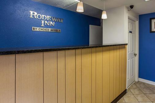 Rodeway Inn - Charlotte - Front desk