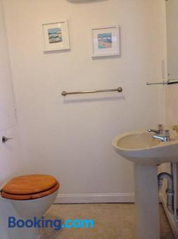 The Royal Oak - Burford - Bathroom