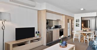 One Oak - Brisbane - Living room