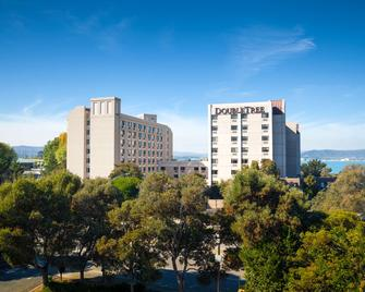 DoubleTree by Hilton San Francisco Airport - Burlingame - Gebouw