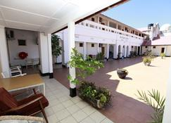 New Palm Tree Hotel - Mombasa - Building