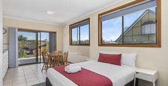 Coastal Bay Motel Coffs Harbour - Coffs Harbour - Bedroom