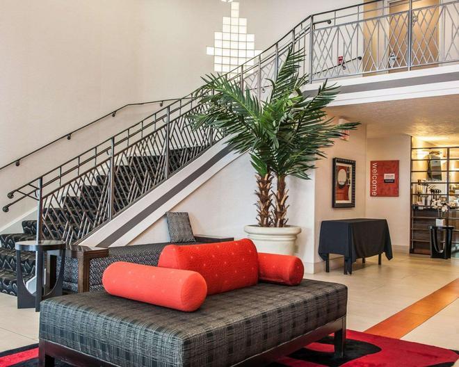Comfort Inn Near Indiana Premium Outlets - Edinburgh - Lobby