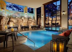 Snake River Lodge & Spa - טטון וילאג' - בריכה