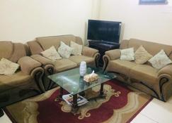 Redwan's home - Dacca - Sala de estar