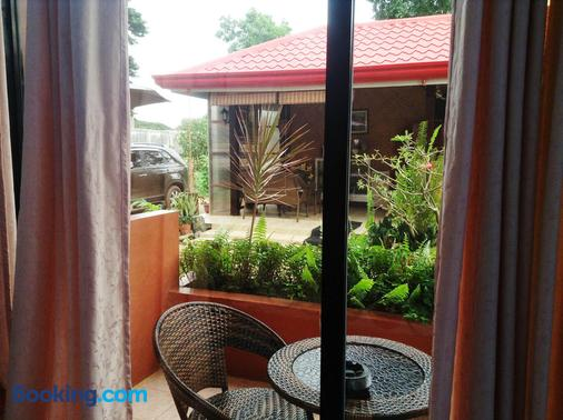 Citadel Bed and Breakfast - Puerto Princesa - Balcony