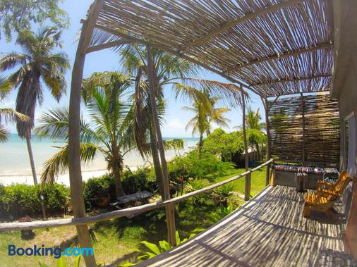 Baobab Beach Resort and Backpackers - Vilanculos - Balcony