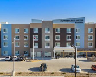 TownePlace Suites by Marriott Hays - Гейс - Building