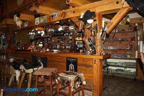 Steak Restaurant Penzion Country Saloon - Klatovy - Bar